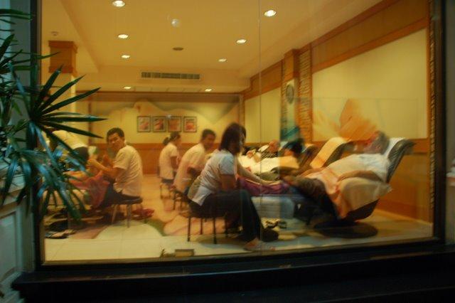 lavish massage parlor Hobart
